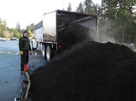 cedar grove compost delivery2_1899