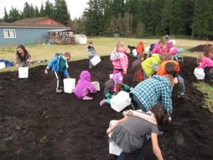 compost spreading_3156
