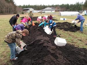 compost spreading_3165